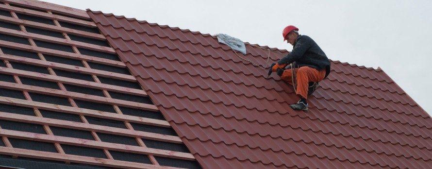 屋根塗装の耐用年数はどれくらい?長持ちさせるためのポイントは?